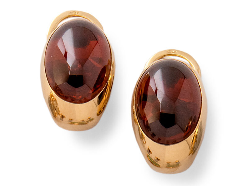 Garnet Single Stone Earrings By Pomellato