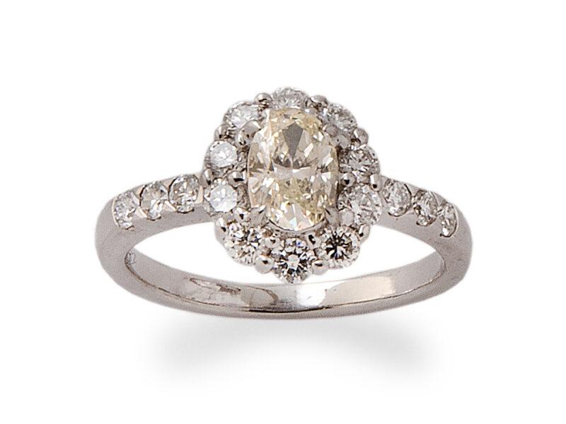 Oval Cut Diamond Cluster Ring