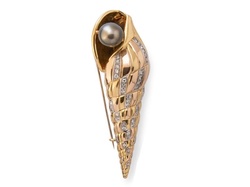 Shell Brooch Tahitian Pearl & Diamonds